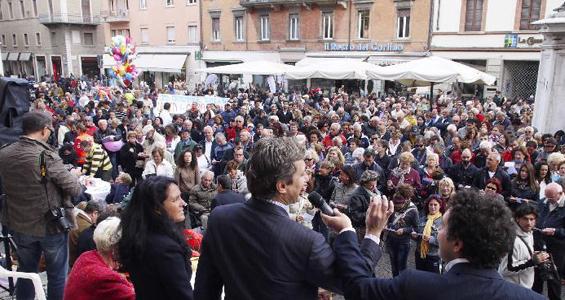 San Gaudenzo 2012 - Tombolata in piazza Cavour, Rimini