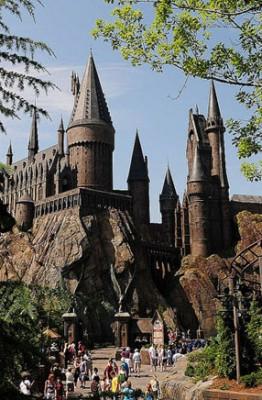 Il cineturismo funziona? La Rimini di Fellini come la Londra di Harry Potter? Castello di Harry Potter