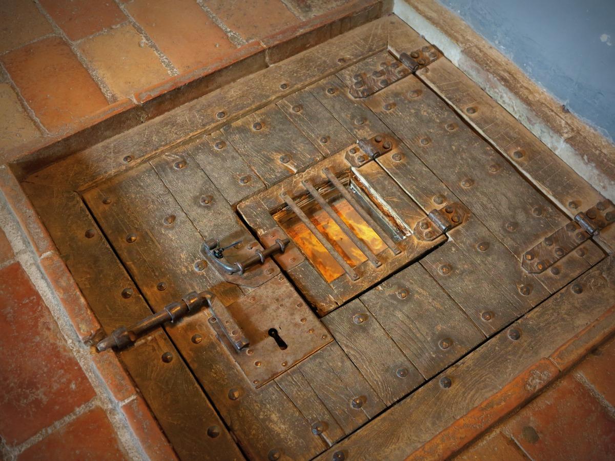 San Leo, botola della cella di Cagliostro