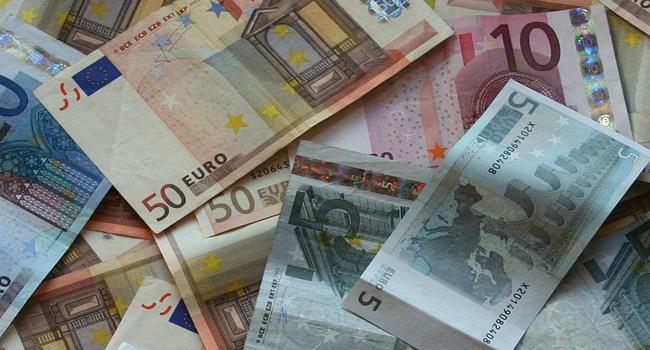 Lo sterco del diavolo, il denaro che fa girare il mondo