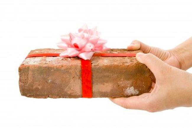 come riciclare regali brutti